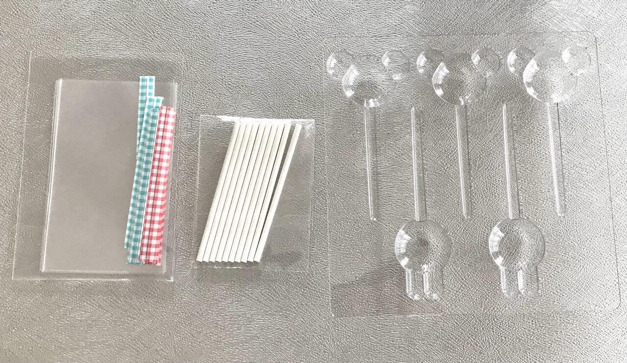 クオカ 2色のうさくまクランチポップのキット内容(食材以外)